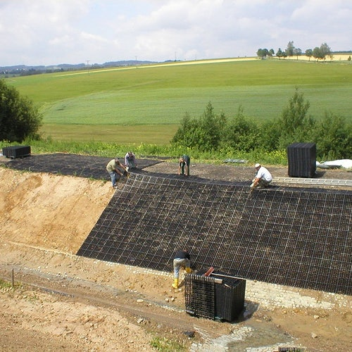 e40-ground-reinforcement-system-on-embankment